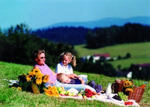 Picknick mit Kinder in Bayern © by Bayern Tourismus