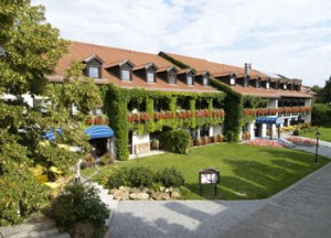 Hoteleingang 'Drei Quellen Therme'